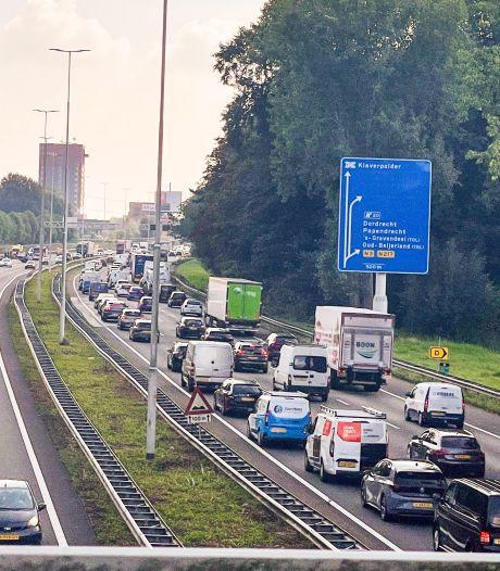 Extra heftige spits vanmiddag: A16 richting Rotterdam urenlang muurvast vanwege auto-ongeluk
