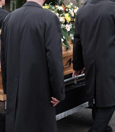 Begrafenis booming business: forse groei aantal uitvaartondernemingen in Flevoland en Apeldoorn