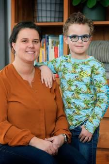 Moeder Daphne knutselt zich een slag in de rondte voor autistisch zoontje Jelle