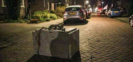 Het mysterie van de kluis die urenlang op straat lag is deels opgelost: hij is gestolen, maar wat zit er in?