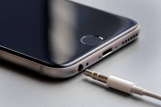 Google laat in navolging van Apple deze aansluiting voor de koptelefoon achter zich