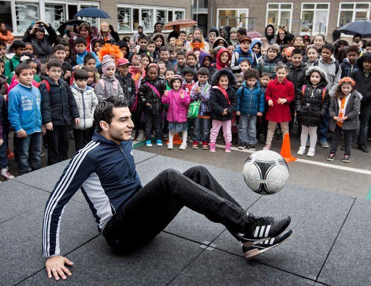 Straatvoetballer: Soufiane Touzani.'Misschien wel de grootste Nederlandse voetbalster van dit moment.' Beeld HH