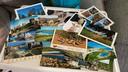 Des cartes postales des quatre coins du monde ont été envoyées au domicile d'Ethan.