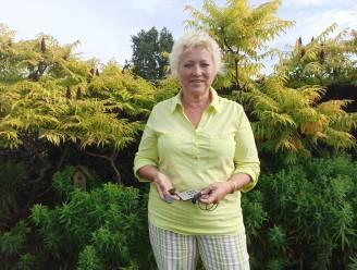 """Sabina (51) praat in 'Durf te vragen' over slechthorendheid: """"Terwijl ik vroeger de bossen opzocht voor de rust, ga ik er nu naartoe om te luisteren"""""""