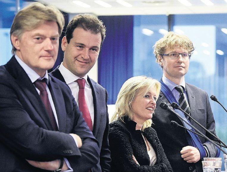 Staatssecretaris Van Rijn, ministers Asscher en Bussemaker en staatssecretaris Dekker (vlnr). Beeld Phil Nijhuis