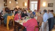 Vrijwilligers van 'De Weeg' werden getrakteerd op een etentje