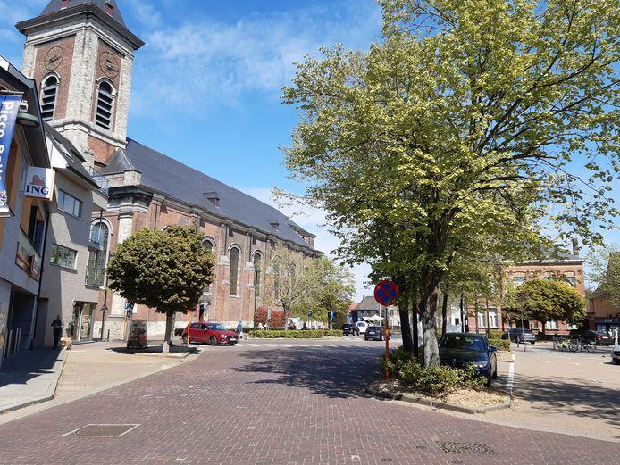 Het Dorpsplein van Evergem, gezien vanuit de Bibliotheekstraat.