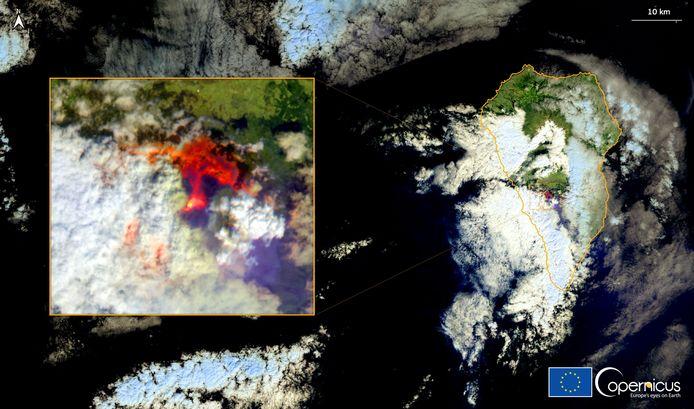 Een satellietbeeld van de uitbarsting.