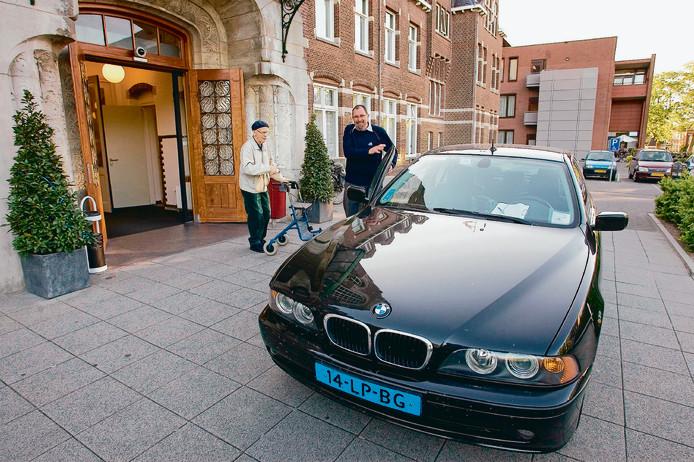 Een taxi van Taxicentrale Witteveen