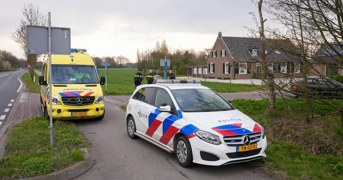 Fietser gewond na botsing met auto in Ravenstein.