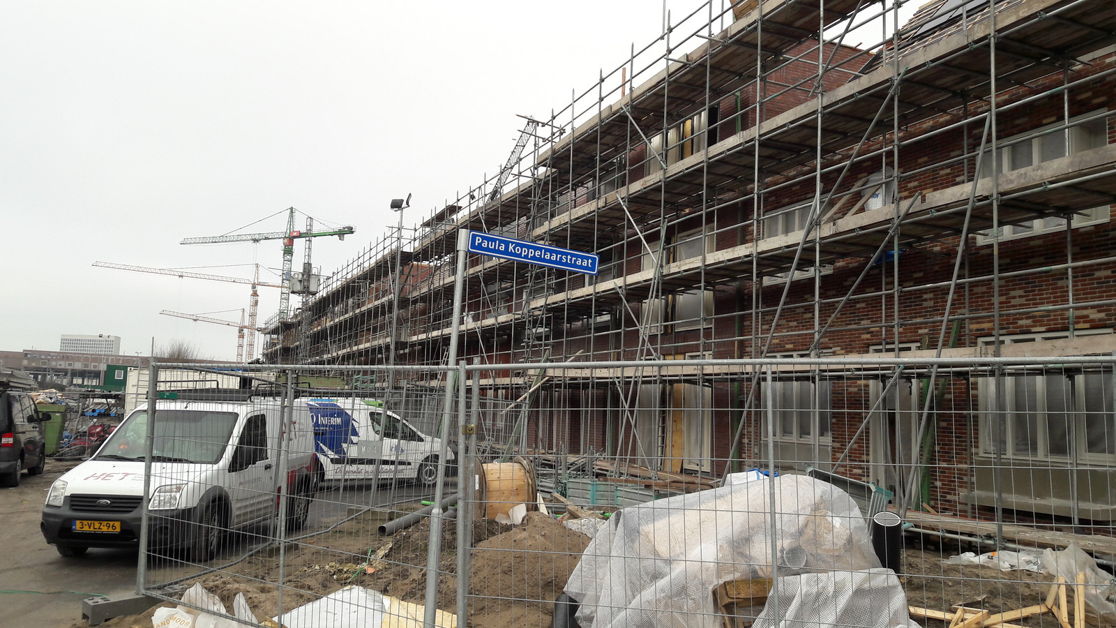 BREDA - Nieuwbouw tussen het Liniekwartier en de spoorlijn. In de wijk Drie Hoefijzers-Noord zijn de straten naar politici genoemd.