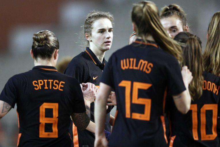 Vivianne Miedema  viert de 0-1 tijdens de internationale vriendschappelijke wedstrijd voor vrouwen tussen Belgie en Nederland in het Koning Boudewijn Stadion in Brussel. Beeld ANP JEROEN PUTMANS