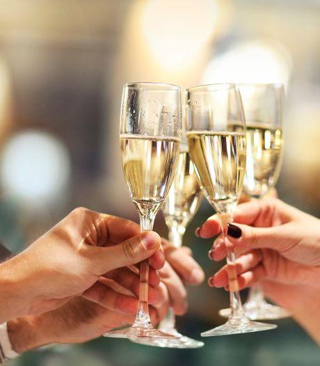 Rusland en Frankrijk sluiten vrede over champagne: Russische elite opgelucht