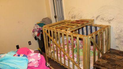 Zware mishandeling ontdekt in VS: kinderen opgesloten in houten kooien