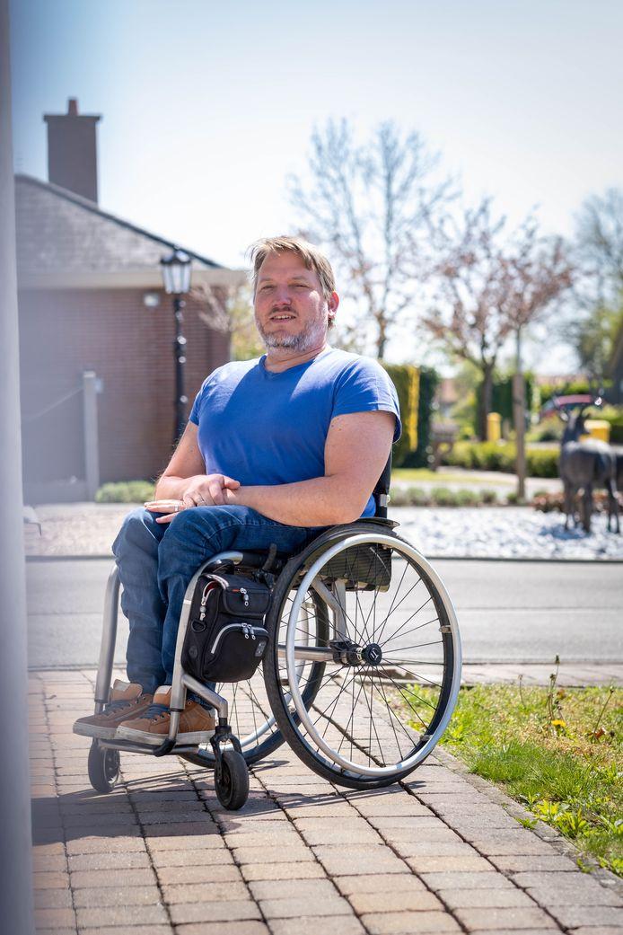 Mario Sel rijdt van Maasmechelen naar Blankenberge met rolstoel