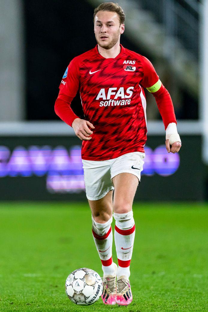 Teun Koopmeiners speelde met zijn linkerhand in het gips.