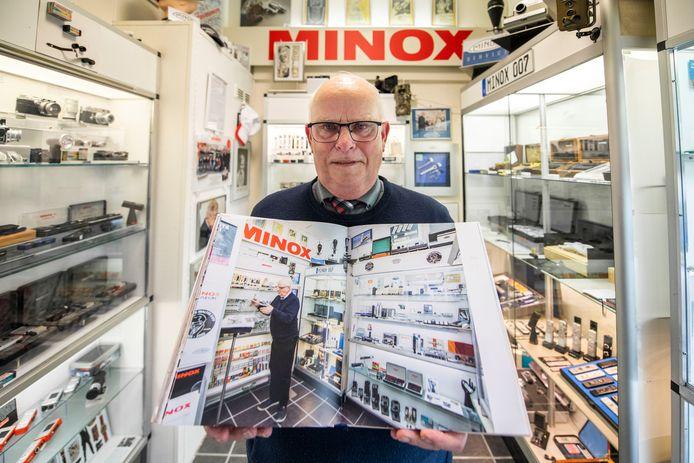 Henk Hommers van het Minoxmuseum staat in het boek.