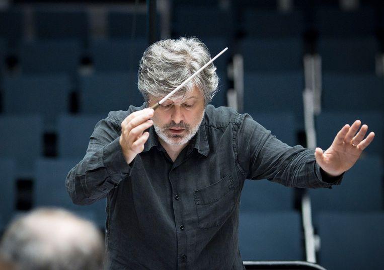 De Schotse componist James MacMillan (1959) dirigeerde zelf de wereldpremière van zijn 'Christmas Oratorio'. Beeld Hans van der Woerd