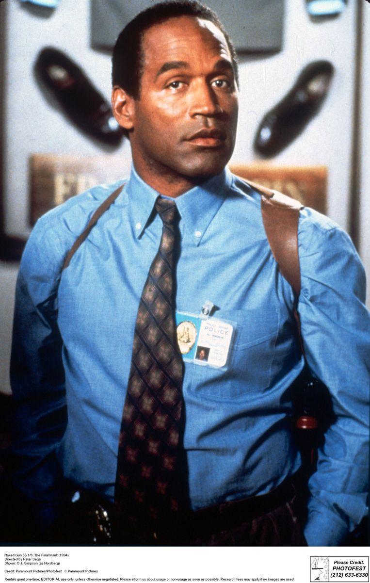 O.J. kruipt in de huid van agent Nordberg in 'Naked Gun 33 1/3: The Final Insult' (1994).   Beeld BELGAIMAGE