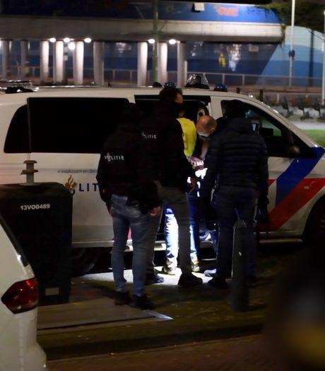 Politie houdt 22-jarige man aan voor steekpartij in woning Van Ruysbroekstraat