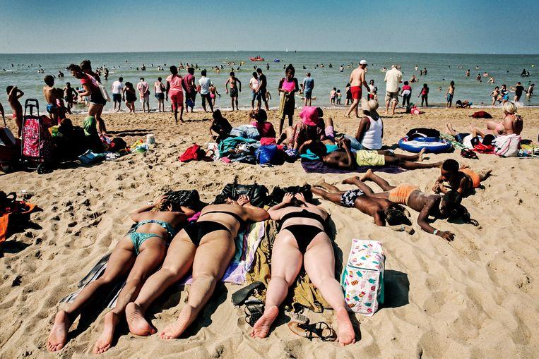 Bart Tommelein: 'Zonder crowdcontrol lijken onze stranden binnen de kortste keren op de festivalweide van Tomorrowland.' Beeld Tim Dirven