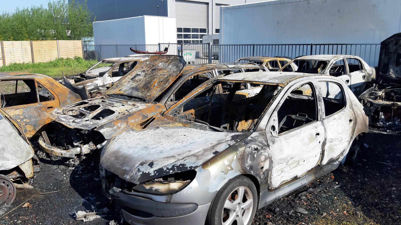 De schade aan de auto's in Dreumel is groot.