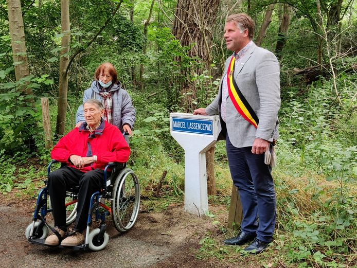 Burgemeester Bram Degrieck met Marcel en zijn echtgenote