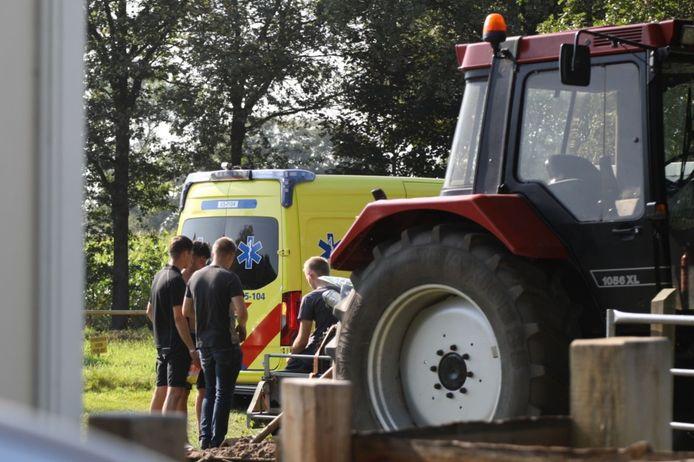 Op crossbaan De Imhof in Holten raakte zaterdagmiddag een motorcrosser gewond.