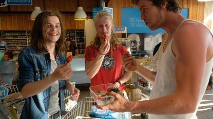 """'Plastic attack' wil supermarkt met minder plastic: """"Buik vol van al die verpakkingen"""""""