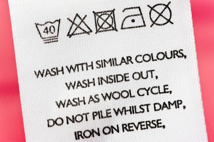 Bekijk goed de wasvoorschriften van de gordijnen, raadt Marja Middeldorp aan.