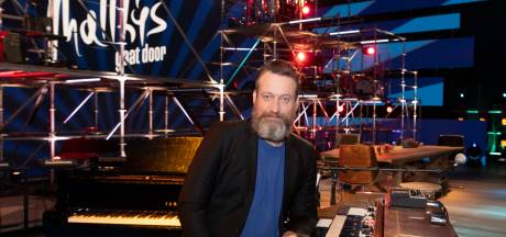 Deze oud-Almeloër is muzikale uithangbord van succesformat Matthijs Gaat Door: 'Twente voelt als thuiskomen'