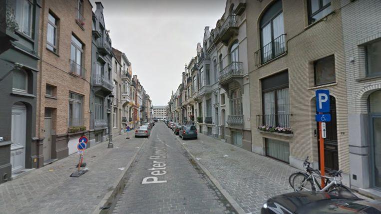 Het steekincident gebeurde in de Peter Benoitstraat. Die was zaterdag urenlang afgesloten.