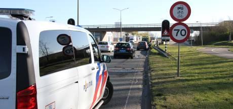 Twee gewonden bij ongeluk in Almelo, één slachtoffer met spoed naar ziekenhuis