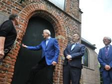 Kerkje in Heelsum voor één euro overgedragen aan nieuwe eigenaarG