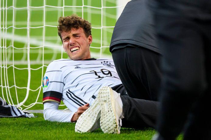 Luca Waldschmidt wordt behandeld.