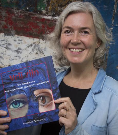 Opbrengst kinderboek 'Vrij zijn' van Holtense naar War Child