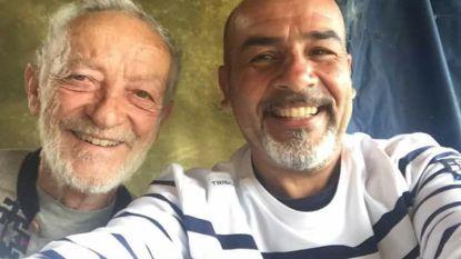 79-jarige man die al 29 jaar op verlaten eiland woont, krijgt smartphone: het resultaat is verbluffend