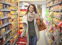 Een zware tas zorgt ervoor dat je ongezondere keuzes maakt in de supermarkt.