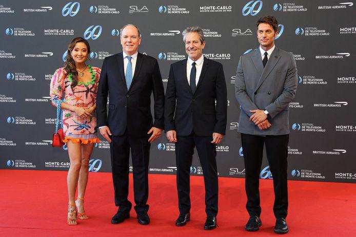 Ashley Park, le prince Albert II de Monaco, Darren Star et Lucas Bravo.