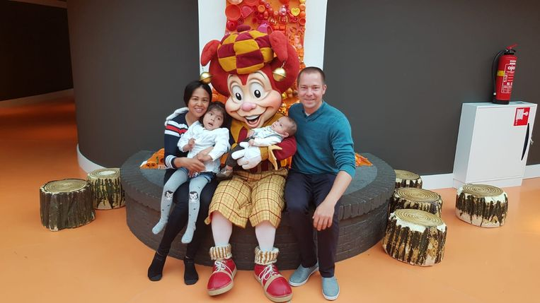 Het Nederlandse gezin vond geen plek in Nederlandse ziekenhuizen. Pak, Isabella, zoontje Fabio en Benny