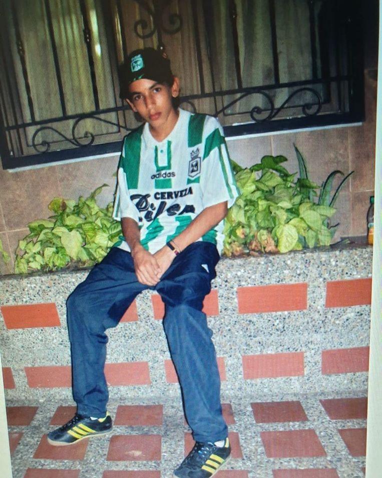 Als tiener, gehuld in het wit-groene shirt van 'zijn' club. Beeld RV