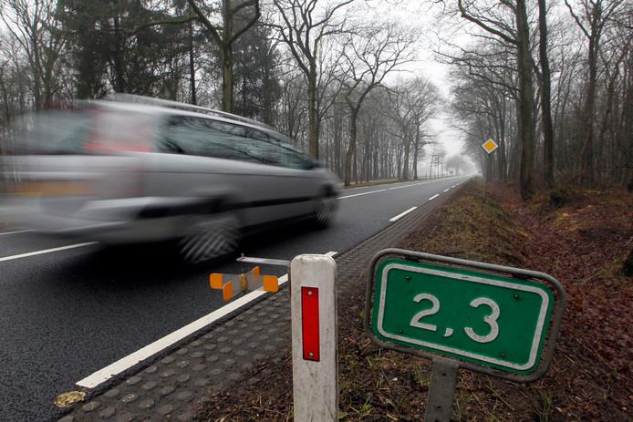 Langs de weg tussen Beltrum en Ruurlo en tussen Barchem en Ruurlo zijn veel bermpalen uit de grond getrokken.