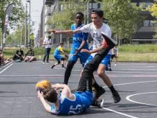 Weekendbeeld: 3x3 basketbal op IJburg