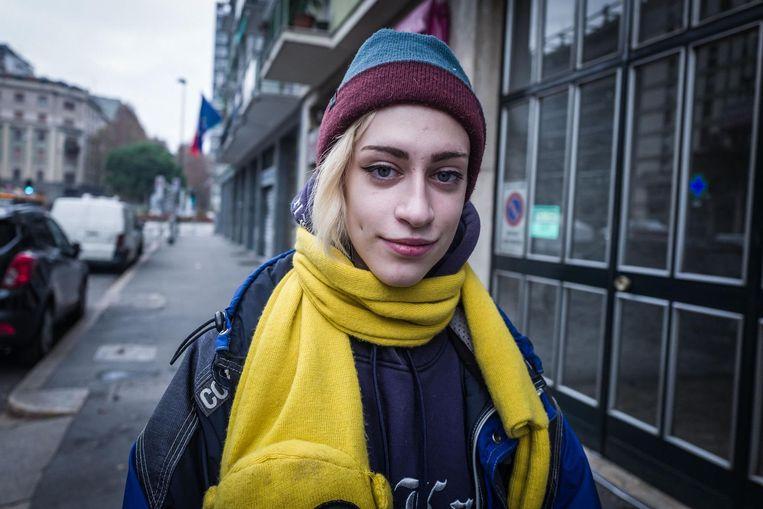 Emma (19): Ik wist niet eens dat er zondag een referendum is, ik heb geen tv.' Beeld Nicola Zolin
