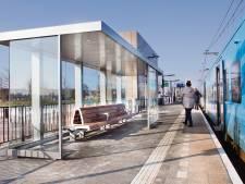 Weg met de oude draadstalen banken: stations Hengelo, Goor en Oldenzaal krijgen nieuw meubilair