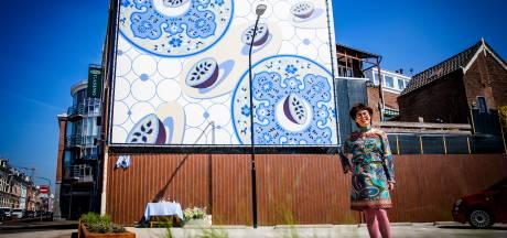 Kunstwerk Katinka van Haren fleurt het Vrieseplein op: 'Je kunt je eigen verhaal erbij bedenken'