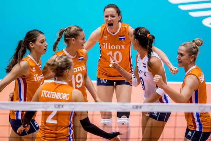 Vreugde bij de Nederlandse volleybalsters.