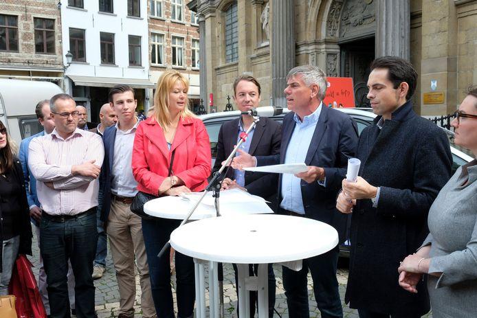 Vlaams-Belang-kopstukken Anke Van dermeersch, Sam Van Rooy, Filip Dewinter en Tom Van Grieken.