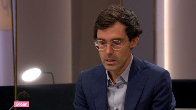 Een emotionele Kristof Calvo in De Zevende Dag. Beeld De Zevende Dag, Eén