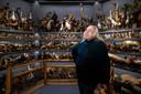 In 'The Accused' van Mark Dion, waar 1.200 opgezette dieren naar de mens in de beklaagdenbank kijken. De dieren komen allemaal uit het 'Oud Kempisch Dorp' in Booischot.